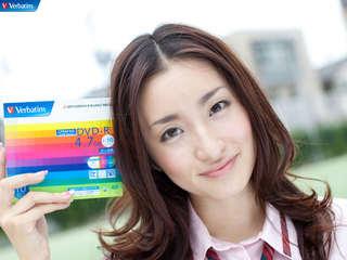 ayaka_umezawa.jpg